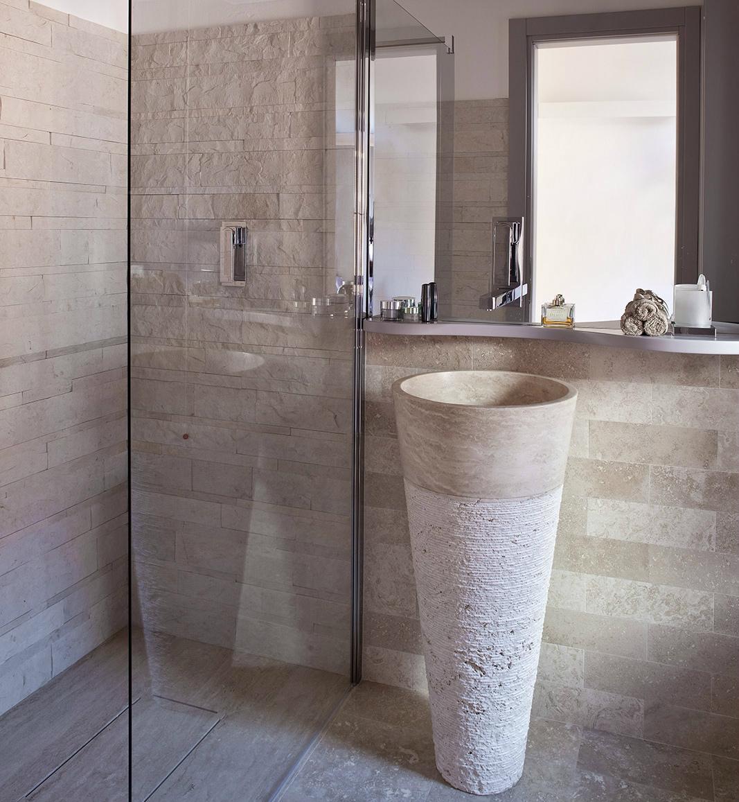 Lavandini Rustici In Pietra bagno in pietra arredo minimale lavabo a colonna – lavandino