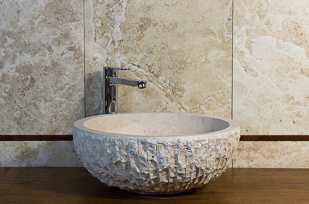 Bagno shabby chic con lavabo in pietra – Lavandino in Marmo